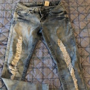 Pants - Ripped Cropped Jeans